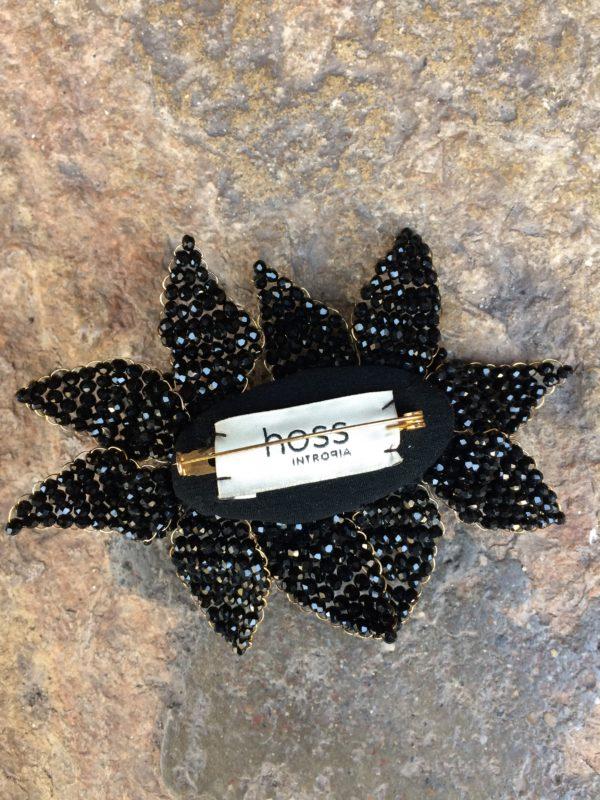 Broche fleurs noires